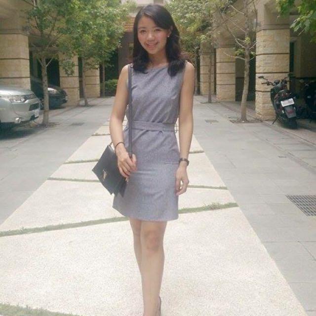 近全新 灰色三穿式洋裝