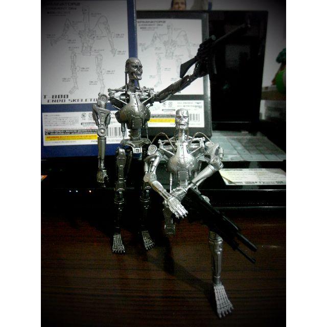 魔鬼終結者 T-800 可動人偶兩款
