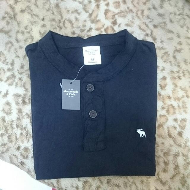 A&F 短袖T-shirt 全新 素T