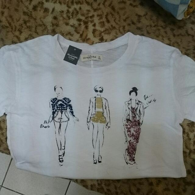 A&F T-shirt 全新 白t