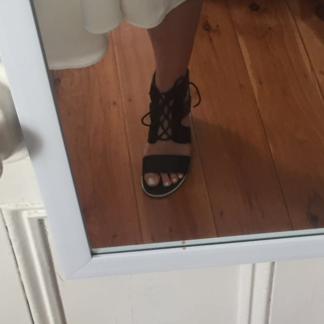 Size 39 Free Lance Lace Up Heels