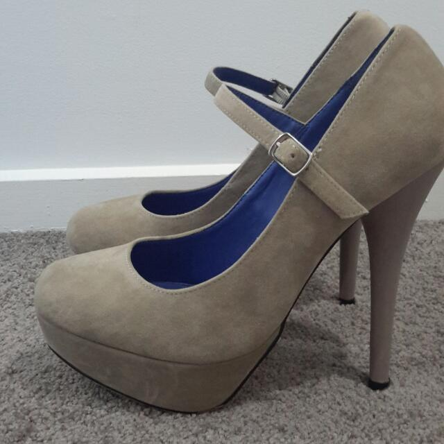 Suede Nude/brown Pump Heels With Ankle Strap Size 40 (Size 9)
