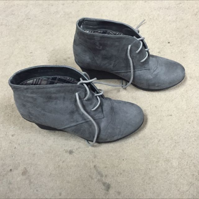 Velvet  Laced-up Wedge Booties By Zalora