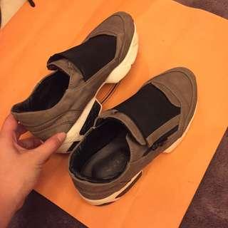 正韓鐵灰潮休閒鞋