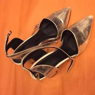 正韓銀色尖頭涼鞋