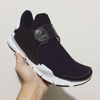 Nike Sock Dart SE Black