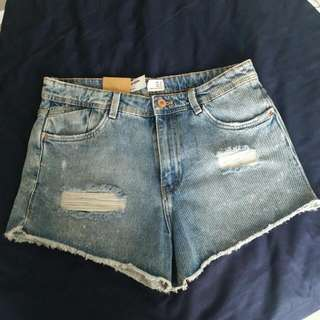 ZARA Ripped Denim Shorts, READY STOCK