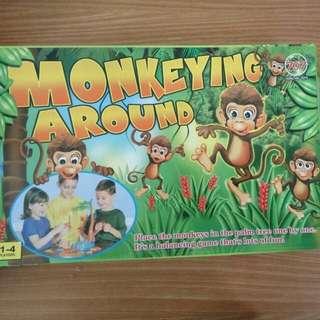 猴子盪鞦千