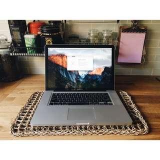 "MacBook Pro 15"" Clean & Beautiful"