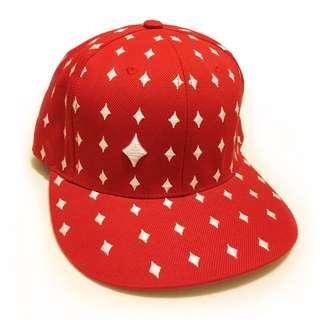 撲克方塊國王滿版刺繡棒球帽(另售黑色愛心款)