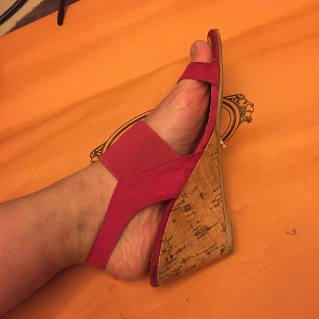 桃紅色涼鞋