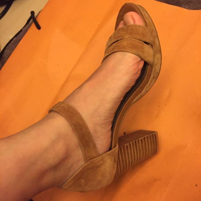 專櫃麂皮粗跟涼鞋