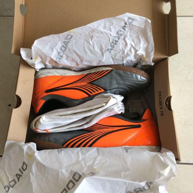 Diadora Sepatu Futsal