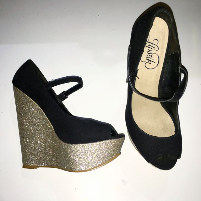Size 6 Gold Wedges/Heel