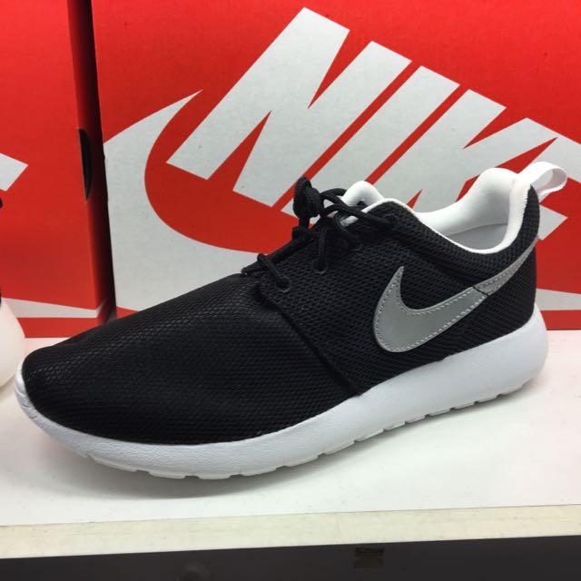 Nike Roshe One 內裏白 銀勾 保證正品 台中ㄧ中可面交