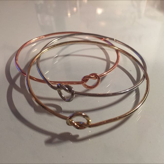 Trendy Knot Bangles