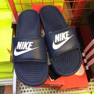 Nike 深藍拖鞋˙