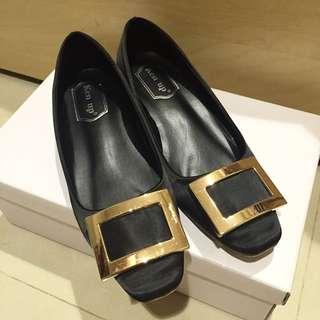 RV同款 方釦金屬釦 方頭包鞋 平跟/低跟 緞面材質