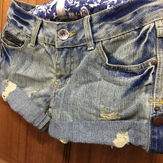 出清&夏日必備牛仔刷舊短褲