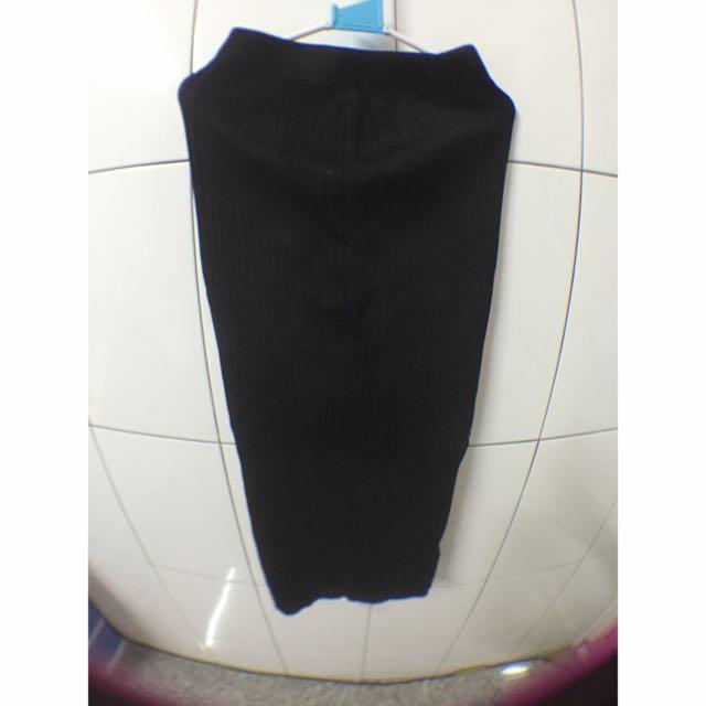 黑色包臀長裙