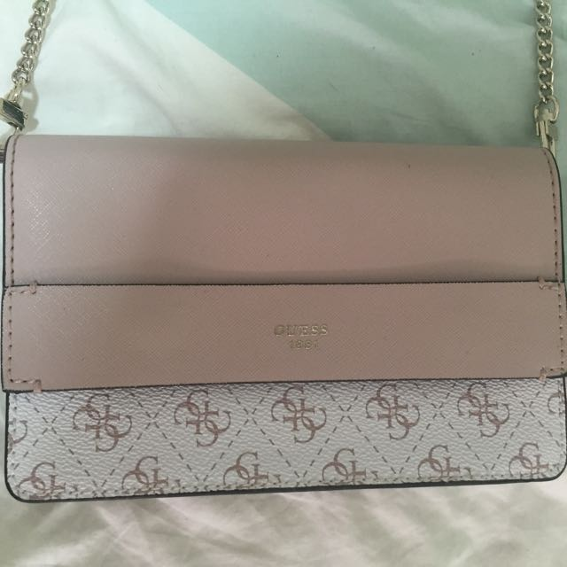 PRICEDROP  Guess Small Cross Body Bag