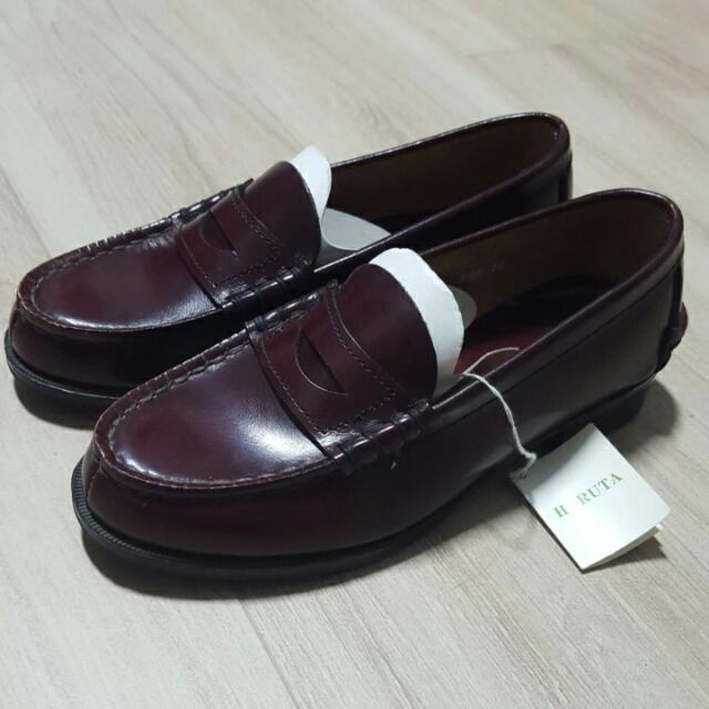 34aa33c6057 Haruta Loafers Wine Coloured