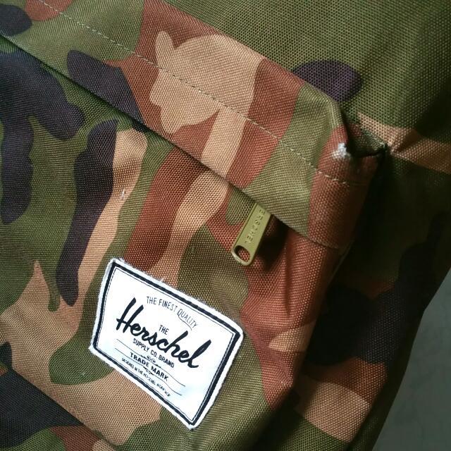 Herschel Woodland Camo Bag