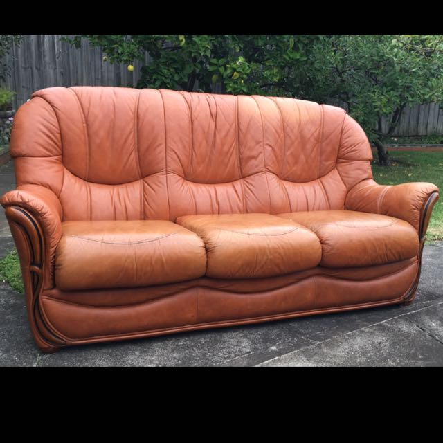 Leather 3 seater Sofa, 2 Arm Chairs