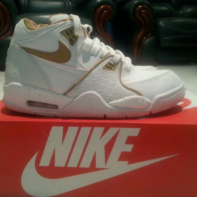 NIKE SHOES Air Flight 89 - white/gold