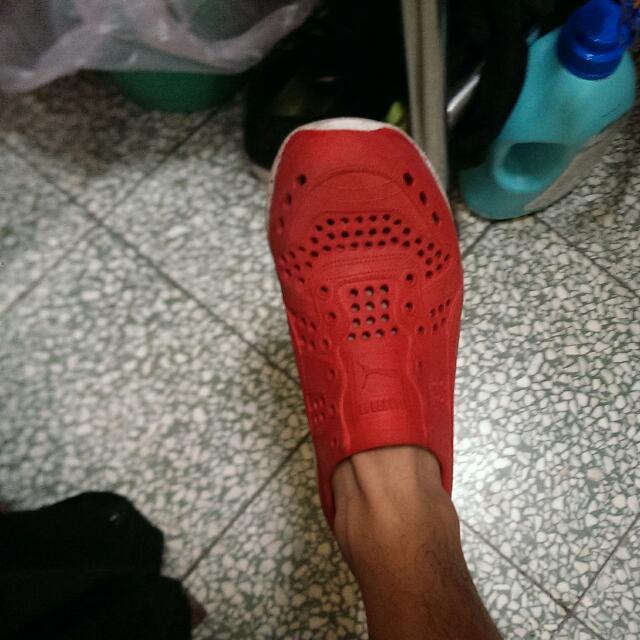 Puma 水鞋