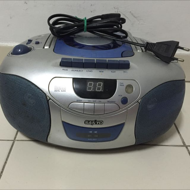 Sanyo CD Radio