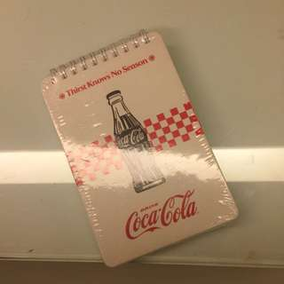 厚厚的復古可口可樂筆記本 背面有鬆緊帶