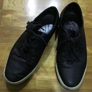 Agnes.b 黑色休閒鞋