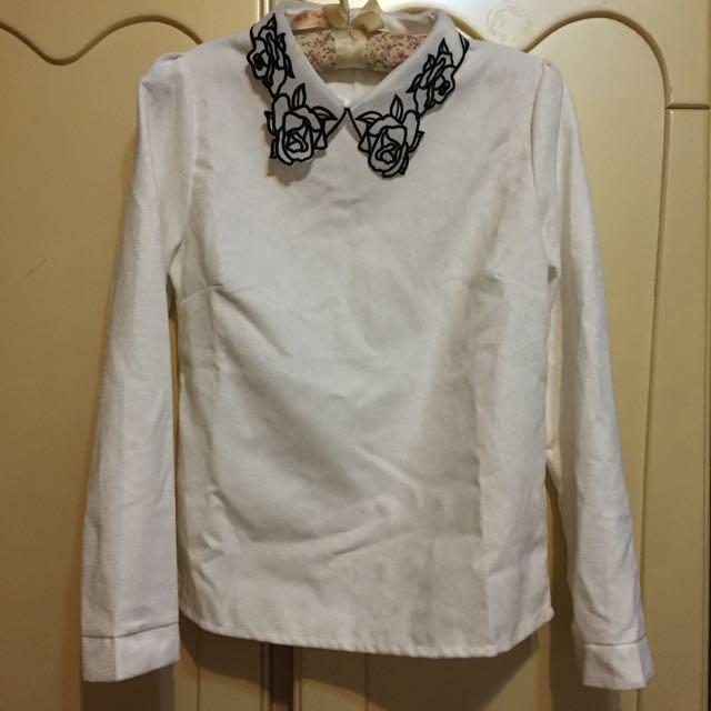 玫瑰領白襯衫