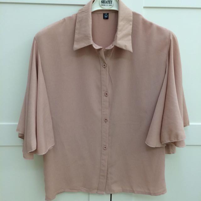 嫩粉紅喇叭袖襯衫
