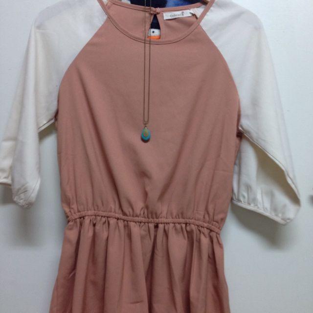 粉色小洋裝