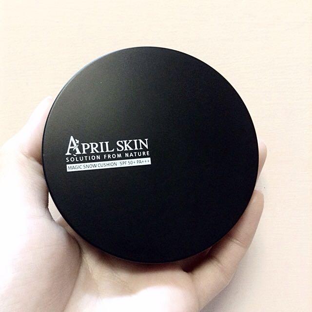九成新APRIL SKIN魔法石氣墊粉餅黑盒