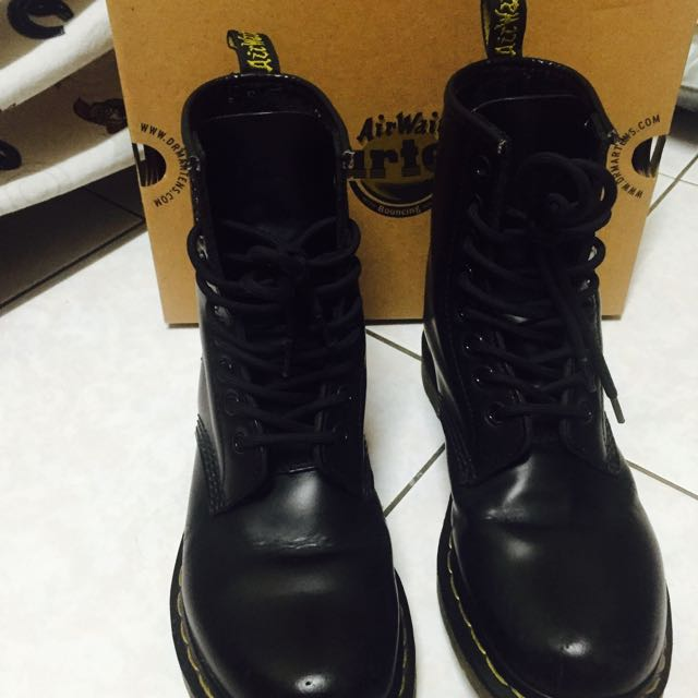 代售Dr Martens黑色馬丁靴
