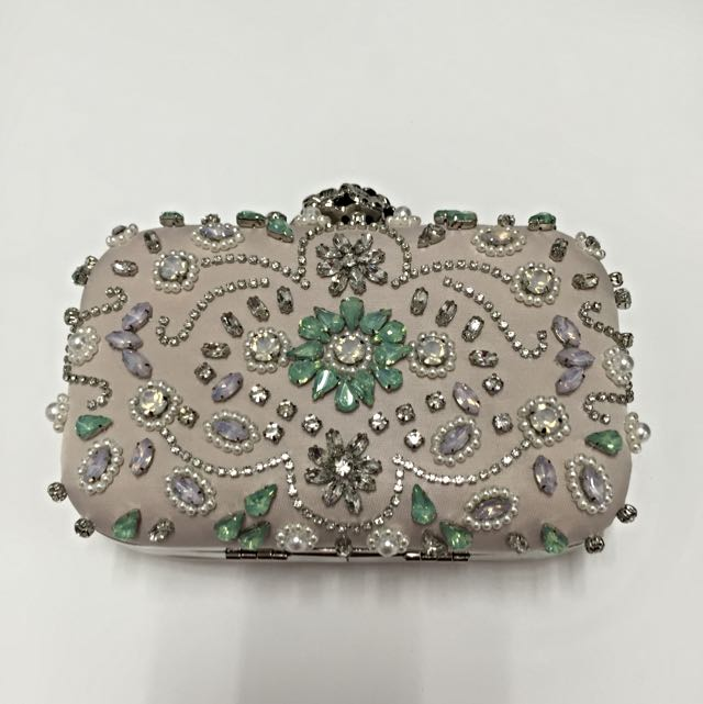 Forever New Clutch