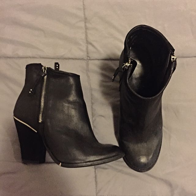 best wholesaler shop good quality River Island Black Ankle Boots, Women's Fashion on Carousell