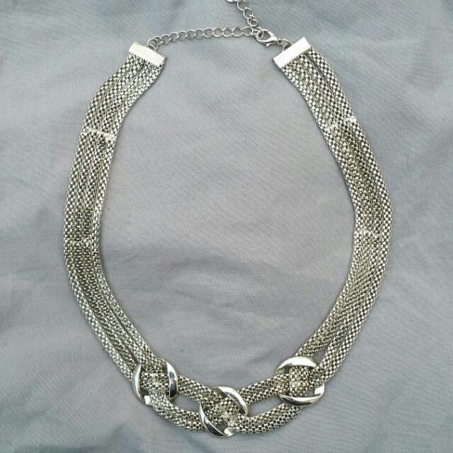 SILVER TRIPLE KNOT Necklace