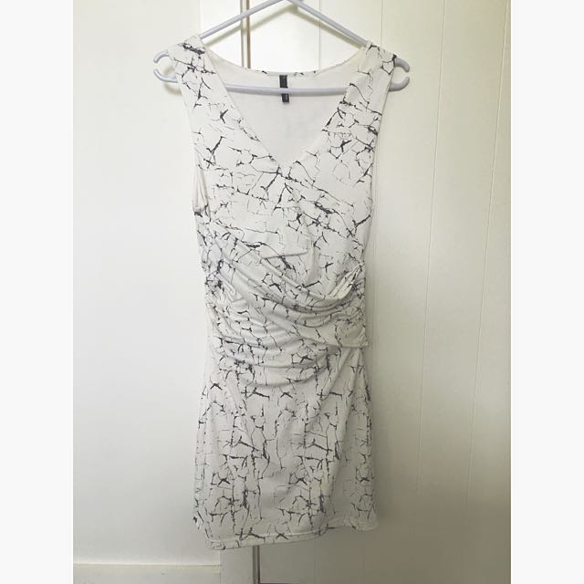 Staple The Label Size 8 Marble Dress