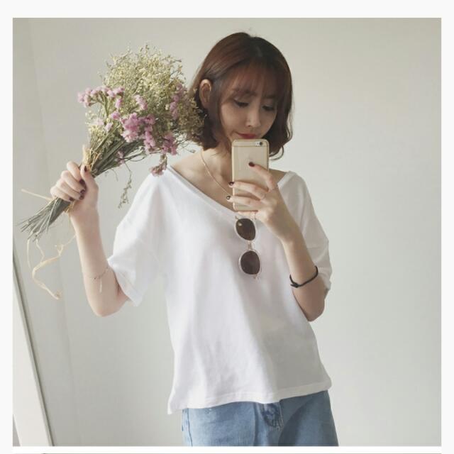 V領素T  兩件買含運哦~♥~(白色)(粉藕色)