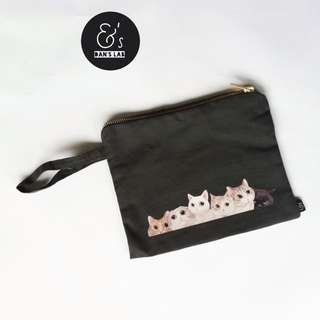 Kittens Pouch (on GREY)