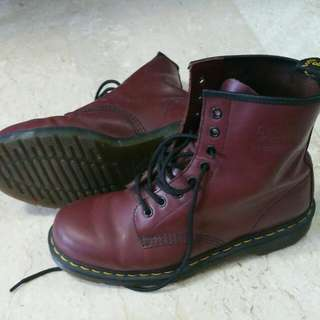 Dr Martens Boots US 9 Cheap Burgundy Authentic