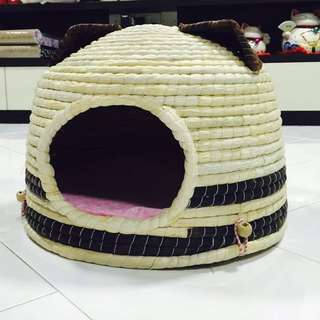 BN! Cat House With Cushion