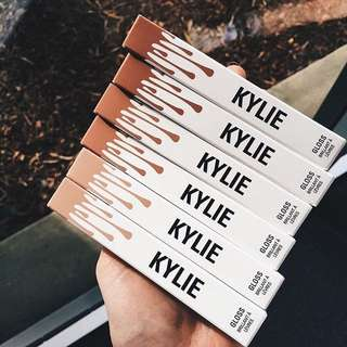PO KYLIE Gloss by Kylie Cosmetics (Kylie Lip Kit)
