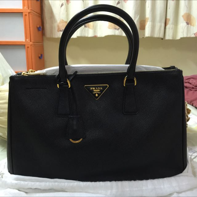 d76e561d8599 ... sweden prada saffiano double zip tote luxury on carousell 21418 5bb65