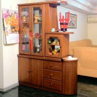 搬家急售)木酒櫃(誠可議。不含運。不含擺飾。保持良好近全新)
