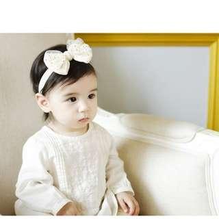**小饅頭本舖**-韓國寶寶嬰兒燙金蝴蝶結髮帶(含運)